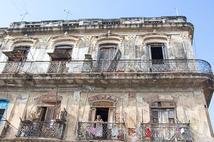 Crumbling buildings in Havana Centro