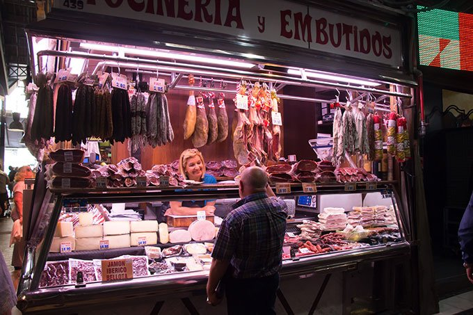 Visit La Boqueria: Fun things to do in Barcelona for a girlfriends getaway.